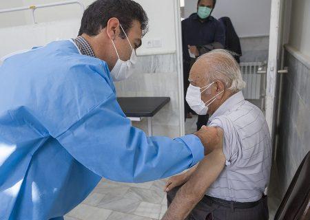 واکسینه شدن هشت هزار سالمند کردستانی علیه کرونا