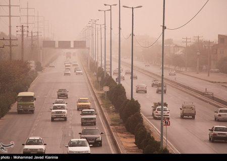 گرد و غبار در راه کردستان